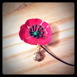 Vintage VFW  Remembrance Poppy pin